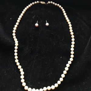 Jewelry - Tiny pale pink cultured pearls with earrings